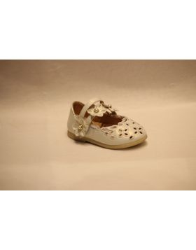 Baby Girl White Flower Bead Shoes